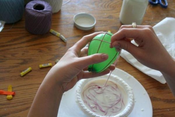 How to make balls of Natal com barbante - Step 5