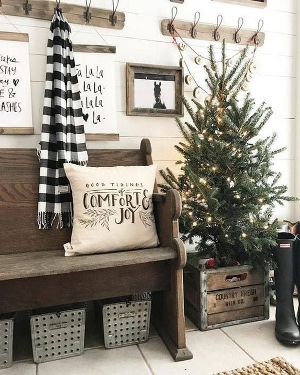 Christmas decoration with wooden boxes