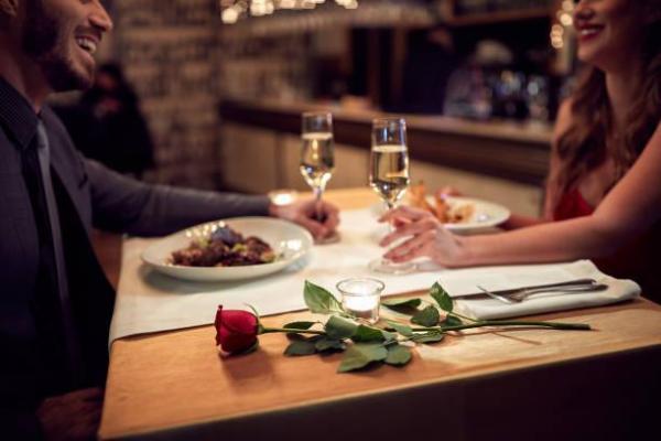 Presentes de 1 mês de namoro - Jantar para dois... em casa!