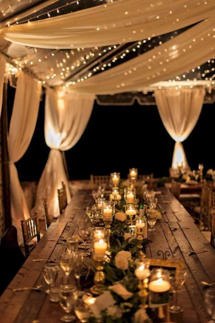 Mini wedding: table decoration with candles