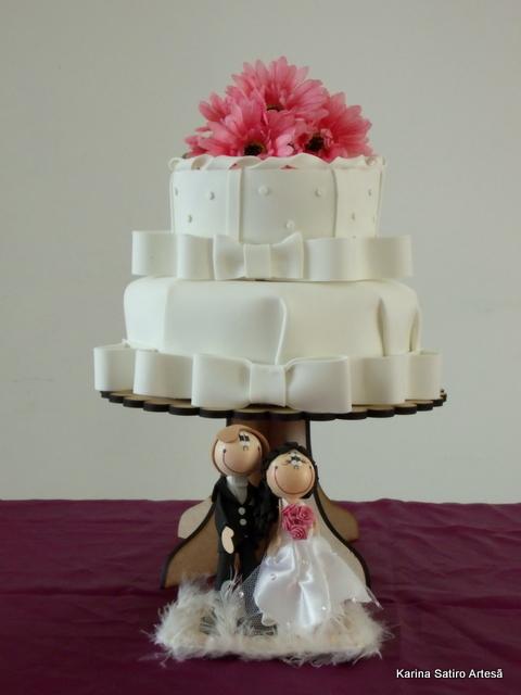 Mini wedding: cake with flowers