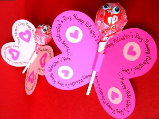 butterfly souvenirs with round lollipop