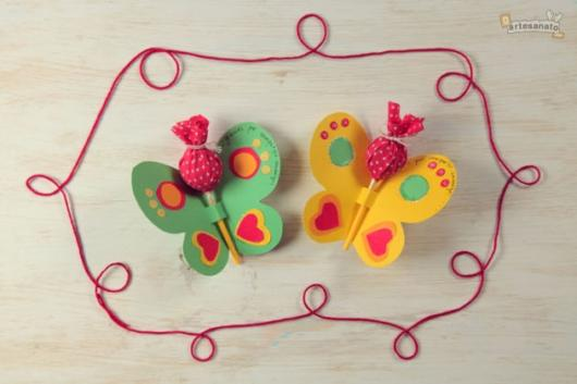 butterfly souvenirs with colorful lollipop