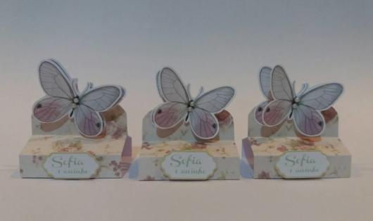 butterfly gifts with chocolate bis