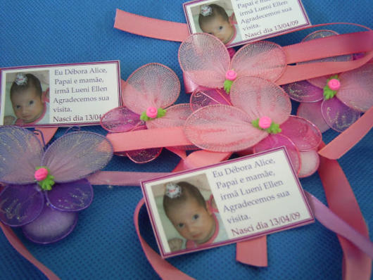 butterfly souvenirs with satin ribbon