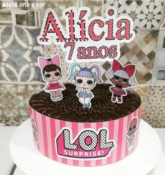 themed chocolate cake