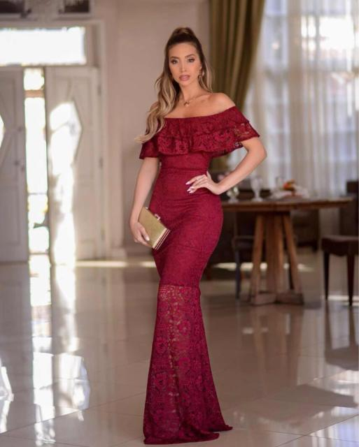 lace dress with sweetheart neckline