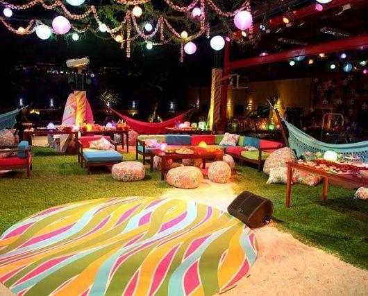 night lighting Hawaiian party