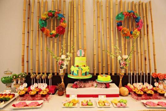 Hawaiian party bamboo decoration