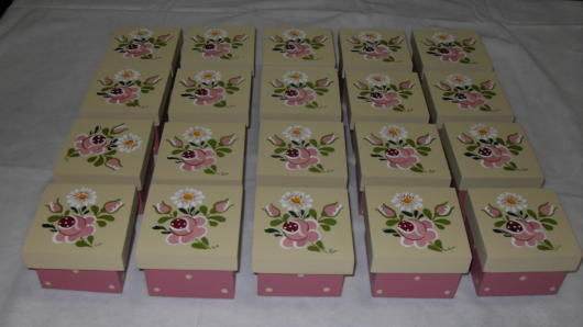 Personalized boxes with flowers