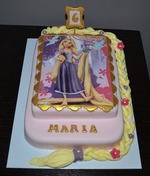 Rapunzel's two-story square cake