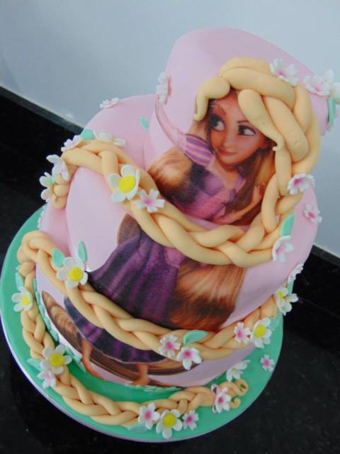 Rapunzel's 3-story cake
