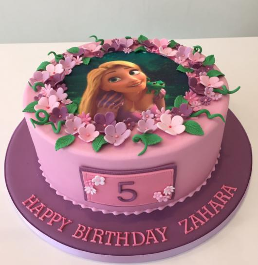 Rice paper can also be placed on Rapunzel cake