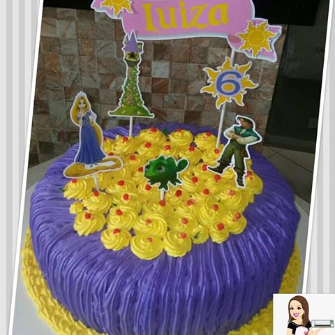 Rapunzel purple and yellow simple cake