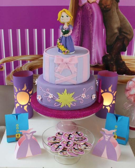 Rapunzel's fake cake gives more charm to the party