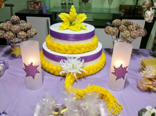 Rapunzel's scenic cake suggestion with blonde braids