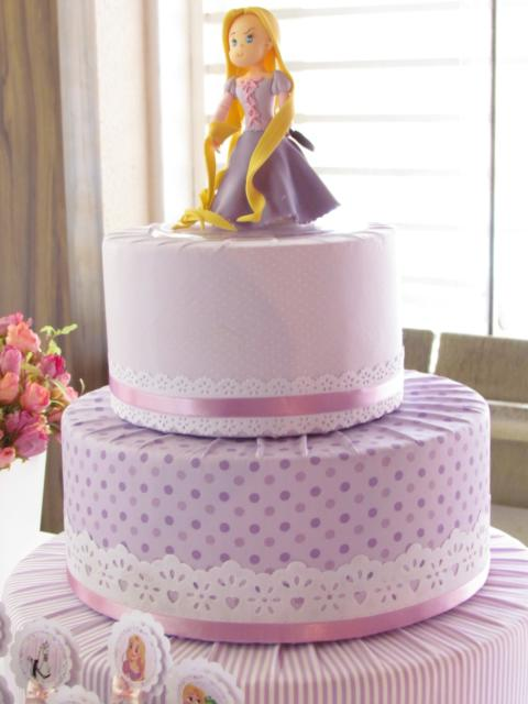 You can also use fabric to make fake Rapunzel cake
