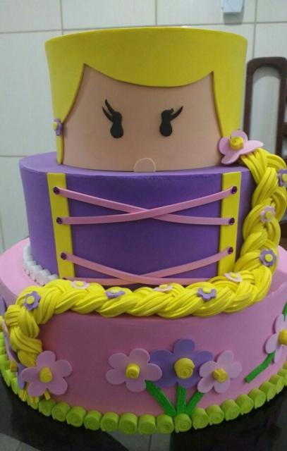 Rapunzel cake set