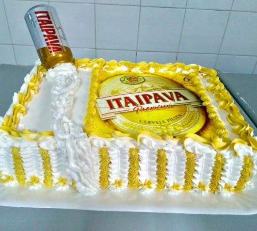 Use your creativity to make the Itaipava cake look beautiful!