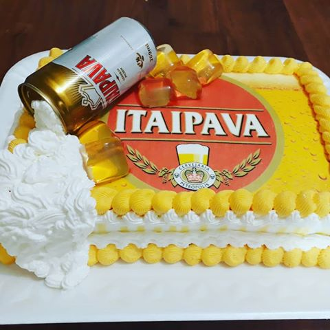 Yellow makes Itaipava's cake more vibrant