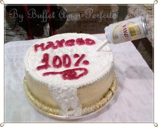 For an improvised and customized cake at home you can use several references