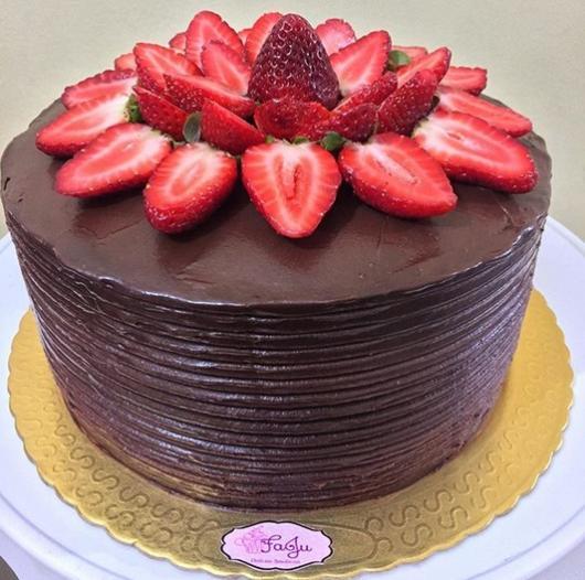 round cake with strawberries