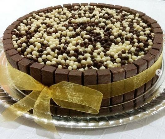 Bis round cake