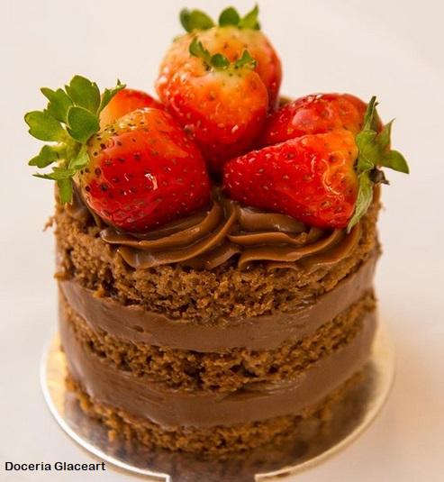 miniature naked cake