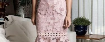 Midi party dress: With pink lace