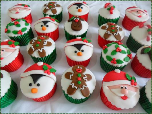 Christmas Cupcake with American Pasta Penguin Cookie and Santa Claus Applique