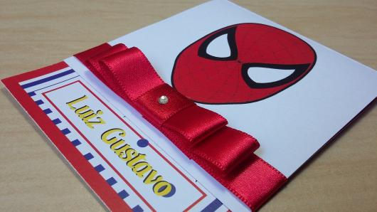 Spider-Man invitations arapbook with red bow