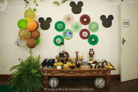 Safari Party Mickey EVA Wall Appliques
