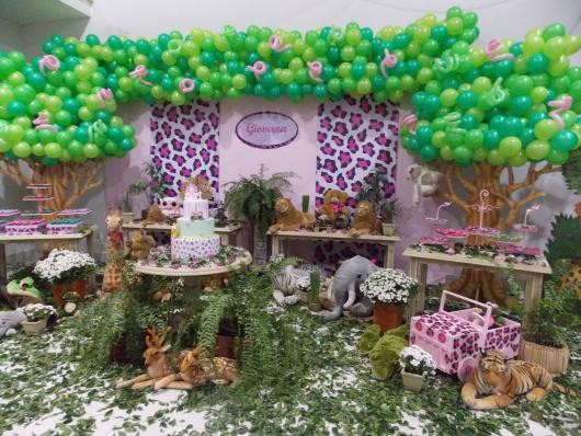 Pink Safari Party with Paper Panel