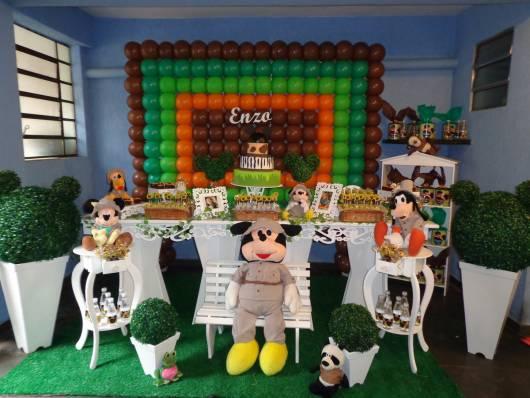 Safari Mickey Party with Balloons