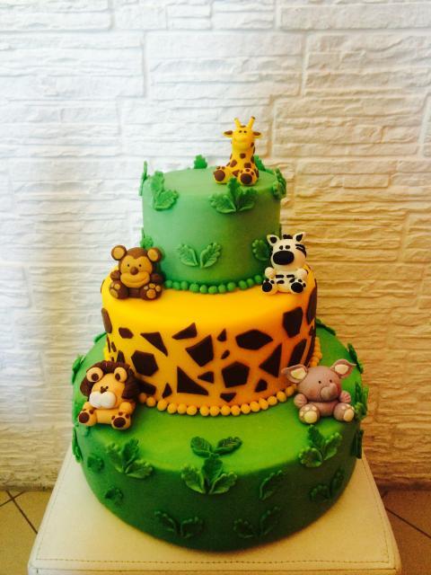 biscuit cake safari party