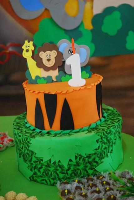 EVA cake safari party