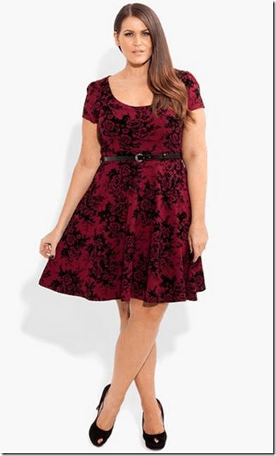 Model wears print wine red dress combined with closed black shoe.