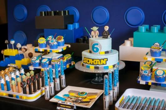 Star Wars party black and blue lego details