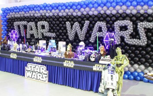 Children's Star Wars Party with balloons