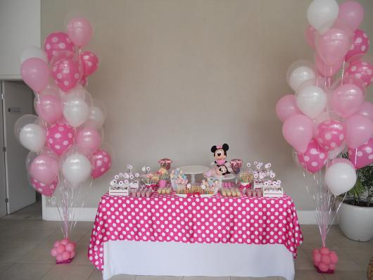 Minnie's Pink Dot Towel Party