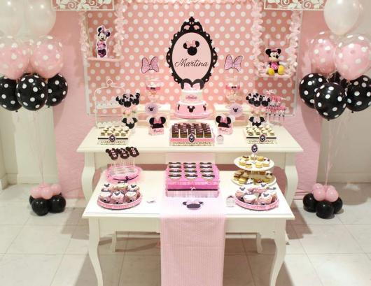 Pink Minnie Party How to Decorate