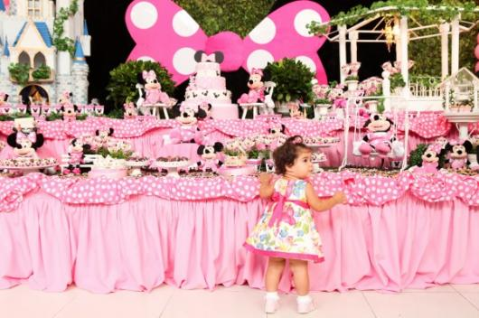 1 year old Minnie Pink Party
