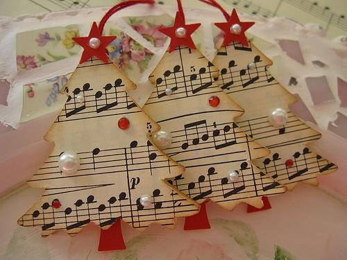 tree-shaped card