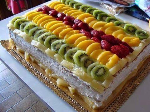 Simple citrus Christmas cake