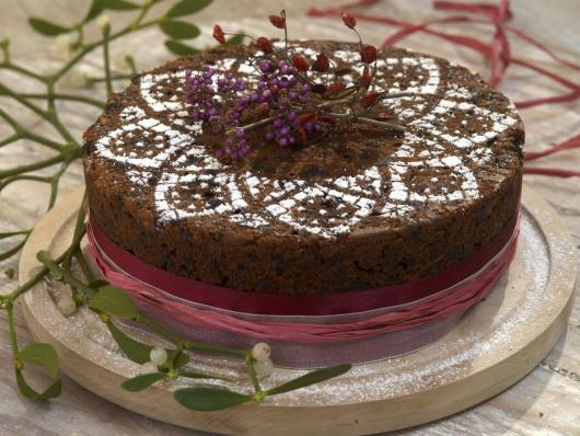 Simple chocolate Christmas cake garnished with sugar