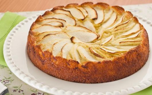 simple apple christmas cake