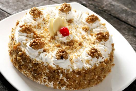 Simple Nuts Christmas Cake