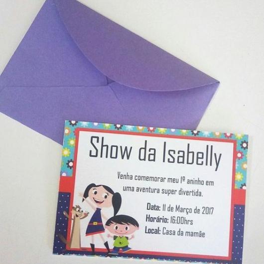 Luna's show invitation with purple envelope
