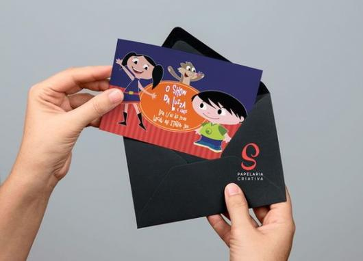 Luna Show invitations with black envelope
