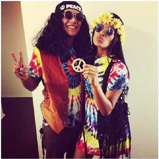 Couple dressed as a hippie.